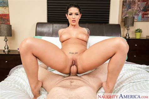 Katrina Jade And Preston Parker In Housewife 1 On 1