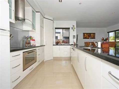 what are the best tiles for kitchen floors tiles in a kitchen design from an australian home 9908