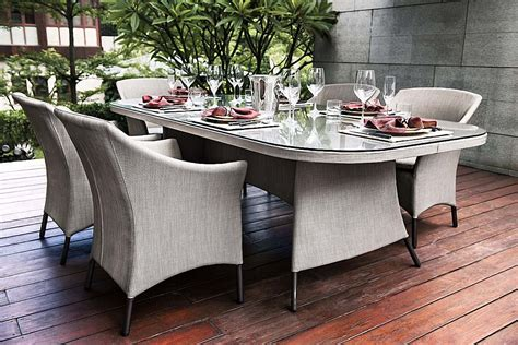 chaise et table de restaurant tables et chaises en fibres synthétiques tressage