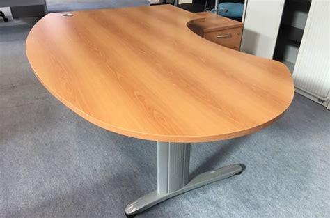 bureau bois gris grand bureau d 39 angle convivial isocèleisocèle