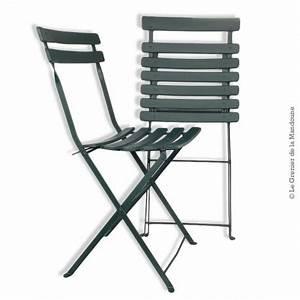 Chaise De Jardin En Fer : 2 anciennes chaises pliantes de jardin bois et fer ~ Teatrodelosmanantiales.com Idées de Décoration