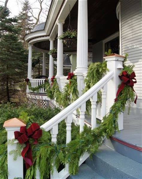 christmas decorating ideas for porch railings beautiful christmas porch so pretty gorgeous rooms houses pinterest beautiful