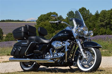 Harley Davidson Road King Modification by 2012 Harley Davidson Flhrc Road King Classic Pics Specs