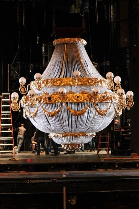 phantom of the opera chandelier bww previews the new tour of the phantom of the opera