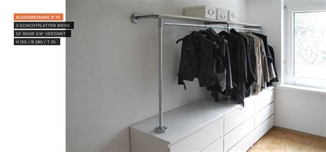 Kleiderstange Auf Sideboard