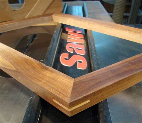 make hardwood floor spline cutting spline a miters on a table saw woodworking