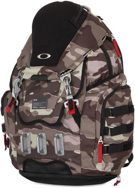 oakley 34l kitchen sink camo backpack in gray for men