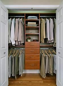 Dressing Petit Espace : amenager un dressing petit espace ideeco ~ Teatrodelosmanantiales.com Idées de Décoration
