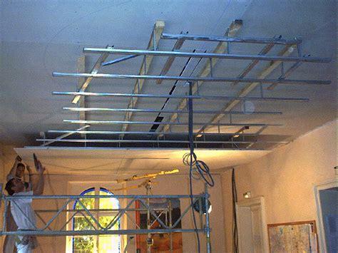 poncer un plafond en placo faux plafond salle de bain placo