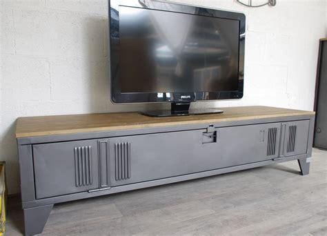 meuble tv industriel bois vestiaire transform 233 en meuble tv industriel metal et bois