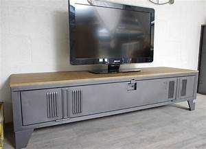 Meuble Tv Casier Industriel : vestiaire transform en meuble tv industriel metal et bois ~ Nature-et-papiers.com Idées de Décoration