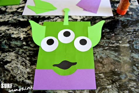 Toy Story Party Bag Template by Diy Disney Toy Story Alien Craft Party Favor Bags