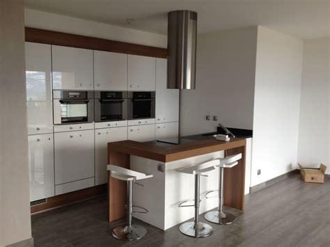 cuisine fonctionnelle petit espace cuisine petit espace par woodworker74 sur l 39 air du bois