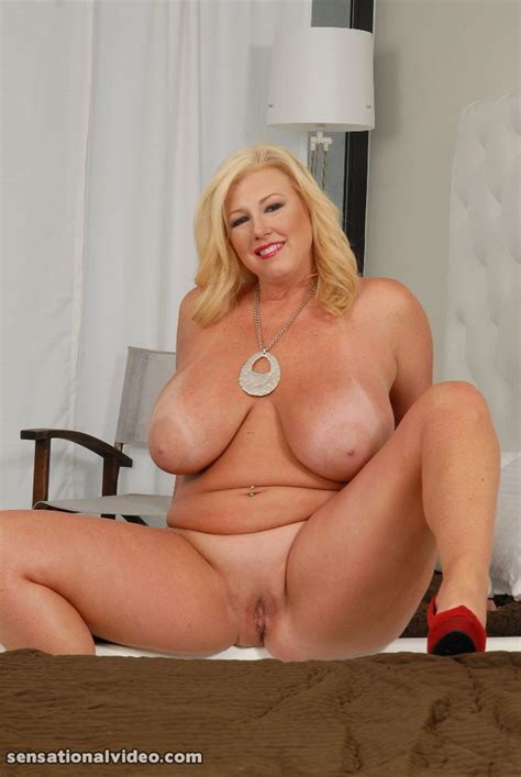Chubby Blonde Milf Having Fun With Black Golden Bbw Picture 10