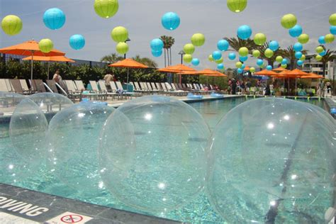 Summer Theme Fantastic Pool Party Decoration Ideas