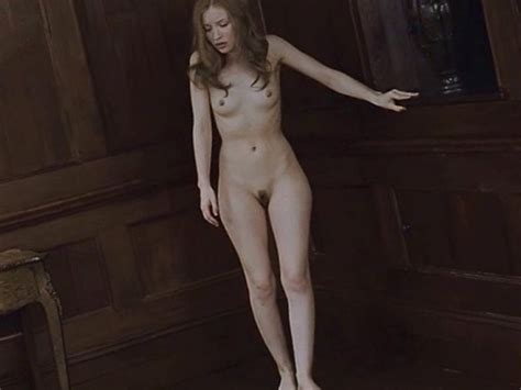 Emily Browning Naked Photos Picsceleb Sex Nude Celeb Image