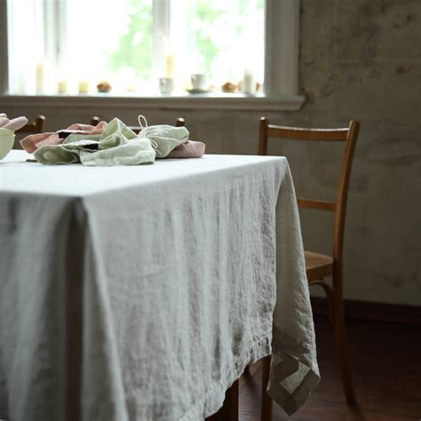 Leinen Tischdecke by Washed Silver Linen Tablecloth By Linenme