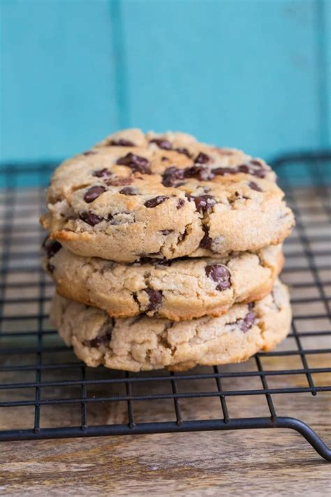 thick chewy peanut butter chocolate chip cookies