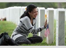 Arlington Cemetery will allow small mementos CBS News