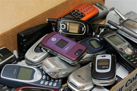 free wireless phones for low income safelink wireless free government cell phones