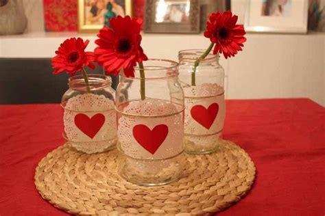 Valentines-day-diy-home-decor-ideas-glass-jars-doilies