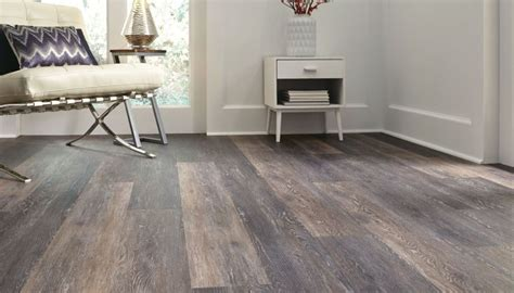 luxury vinyl face  wood flooring