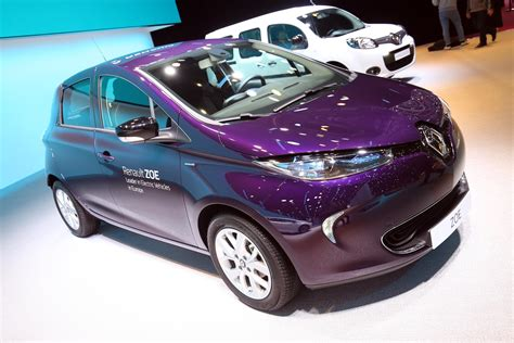 renault purple renault zoe at the geneva motor show photos video