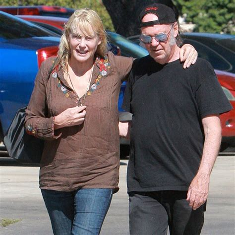 Surprise! Daryl Hannah & Neil Young Reportedly Dating - E ...