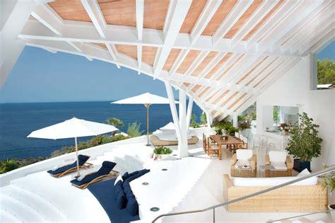 modern mediterranean villa  majorca  alberto rubio
