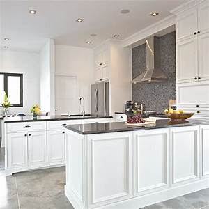 cuisine blanche en bois stupefiant cuisine blanche et With kitchen cabinets lowes with papier peint brique blanche
