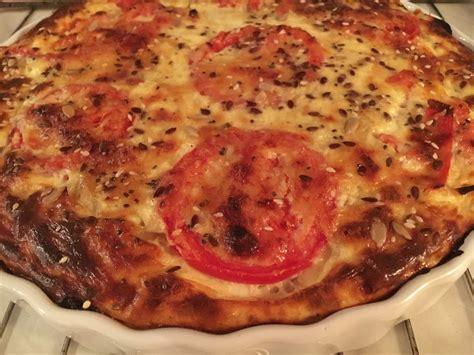 quiche sans p 226 te au thon oignons et tomates aux d 233 lices