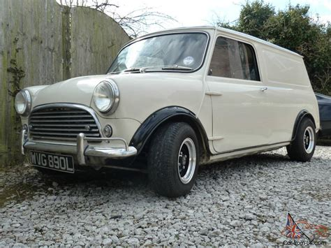1972 Mini Van , 1380 Cc, Old English White With Black Roof