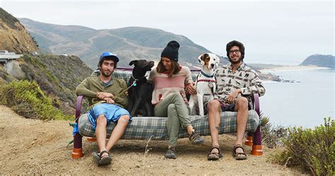Couch Surfing In The Usa Three Friends, Two Dogs And One