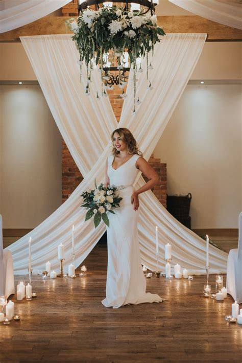 stunning backdrops  divine gowns romantic luxe