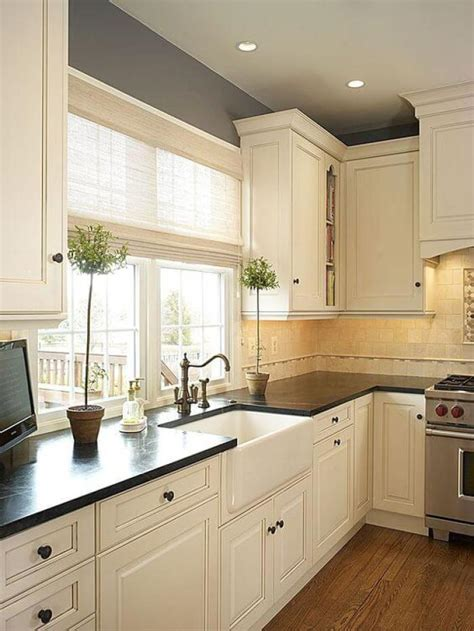 25 antique white kitchen cabinets ideas that your