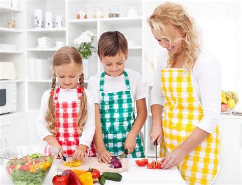 vos enfants n aiment pas les l 233 gumes faites leur faire la cuisine femme actuelle