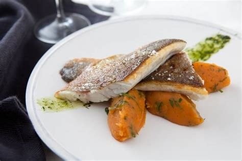 cuisine bar poisson recettes de poisson pour noël par l 39 atelier des chefs