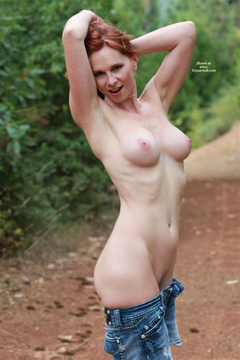 nude milf showing armpit october 2011 voyeur web hall