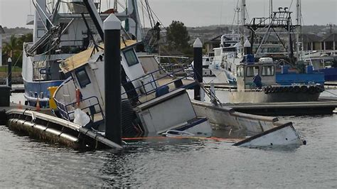 Tuna Boat Sinks 2017 by Lukin Family Tuna Boat Sinks In Port Lincoln Marina