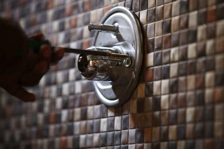 repair  leaky single handle shower faucet