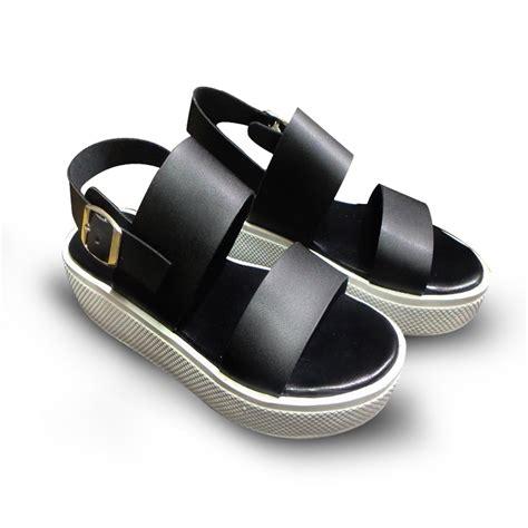 Wedges Hitam V demichel sepatu sandal wedges hitam sepatu wanita