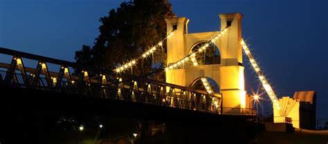 Panoramio - Photo of Waco Suspension Bridge at Night