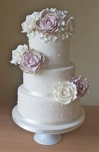 vintage roses wedding cake With simple wedding cake ideas