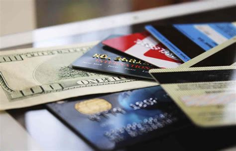 A credit card cash advance is a loan from your credit card issuer. 7 Credit Cards With No Annual Fee | Credit.com