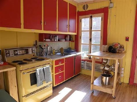 la cuisine collective de auberge de jeunesse la maison