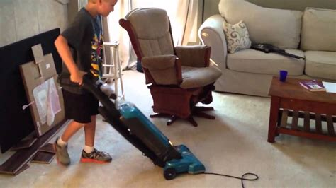 Or Vaccum by How To Get Your To Vacuum A Room