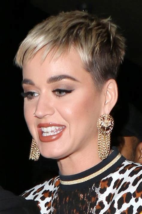 Katy Perrys Hairstyles And Hair Colors Steal Her Style