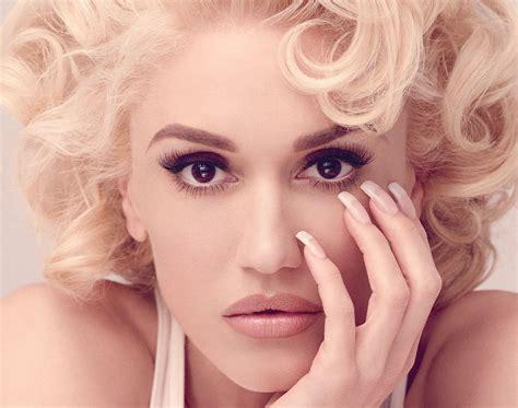 Gwen Stefani Archives