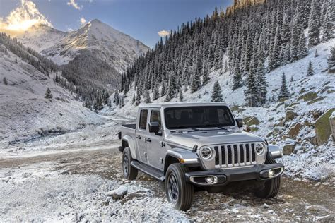 jeep north edition models join  lineup muscle cars
