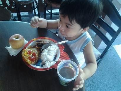 Breakfast Eats Matt Eating